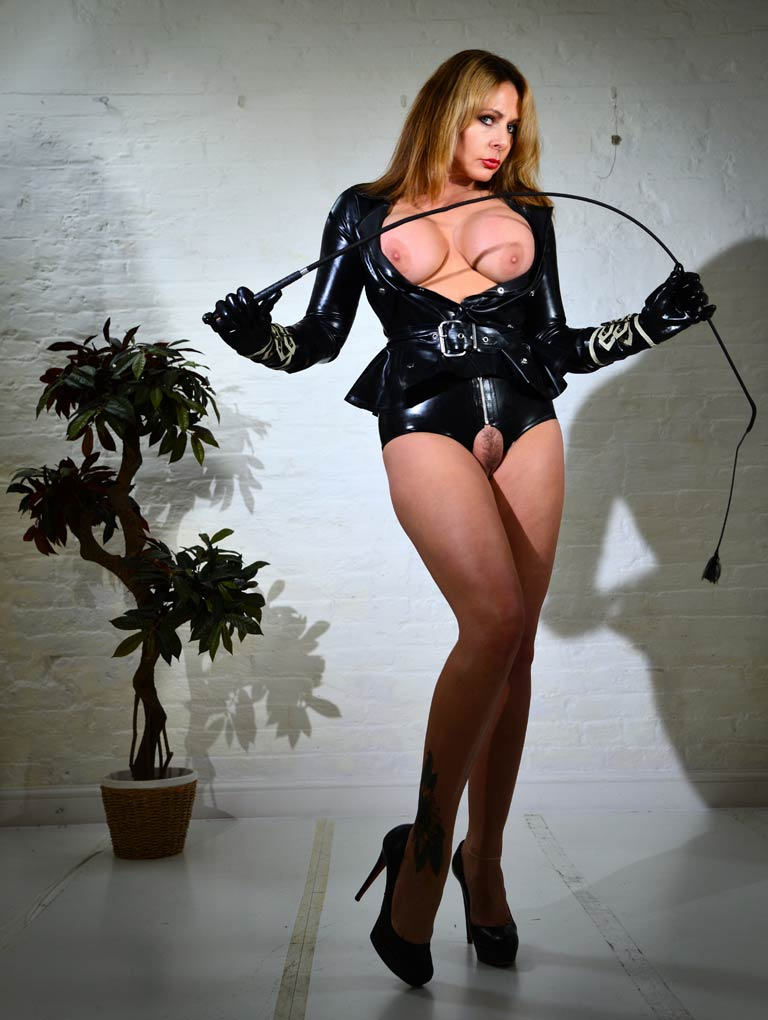 Mistress Carly Picture Zoom