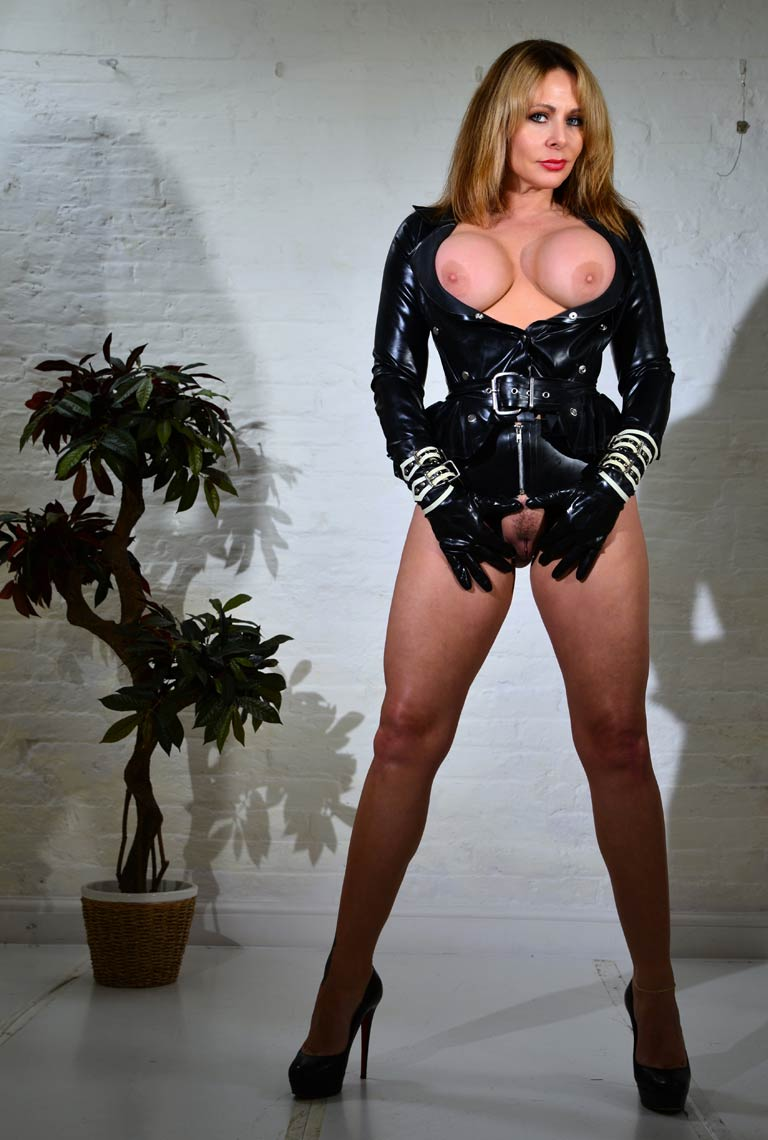 Mistress Carly Gallery